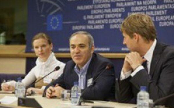 Russian opositionist, world chess champion Garri Kasparov pays visit to European Parliament
