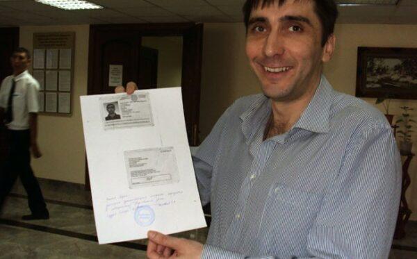 Human rights defender Vadim Kuramshin leaves court a free man!
