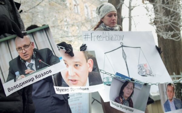 Human rights activists calls on Hollande to cease cooperation with Nazarbayev