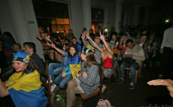 Emotions similar to those at the stadium: the showing of the Dnipro v Sevilla match in 'Ukrainian World'