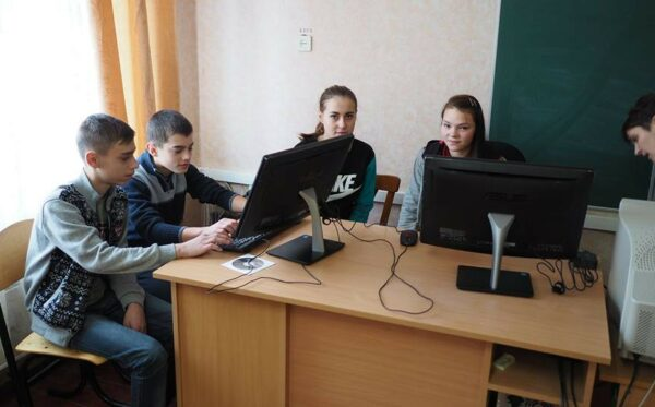Developers of mobile application CVRP help schools in the Zone of Exclusion