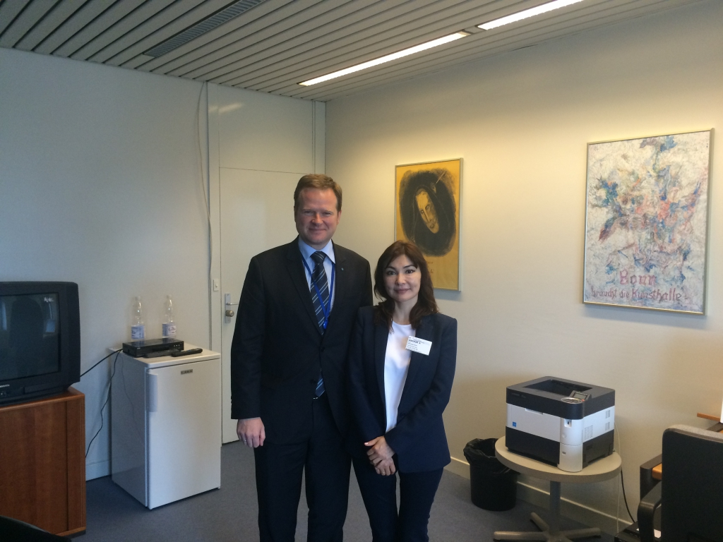 Alma Shalabayeva and Frank Schwabe (Human Rights Committee in Bundestag)